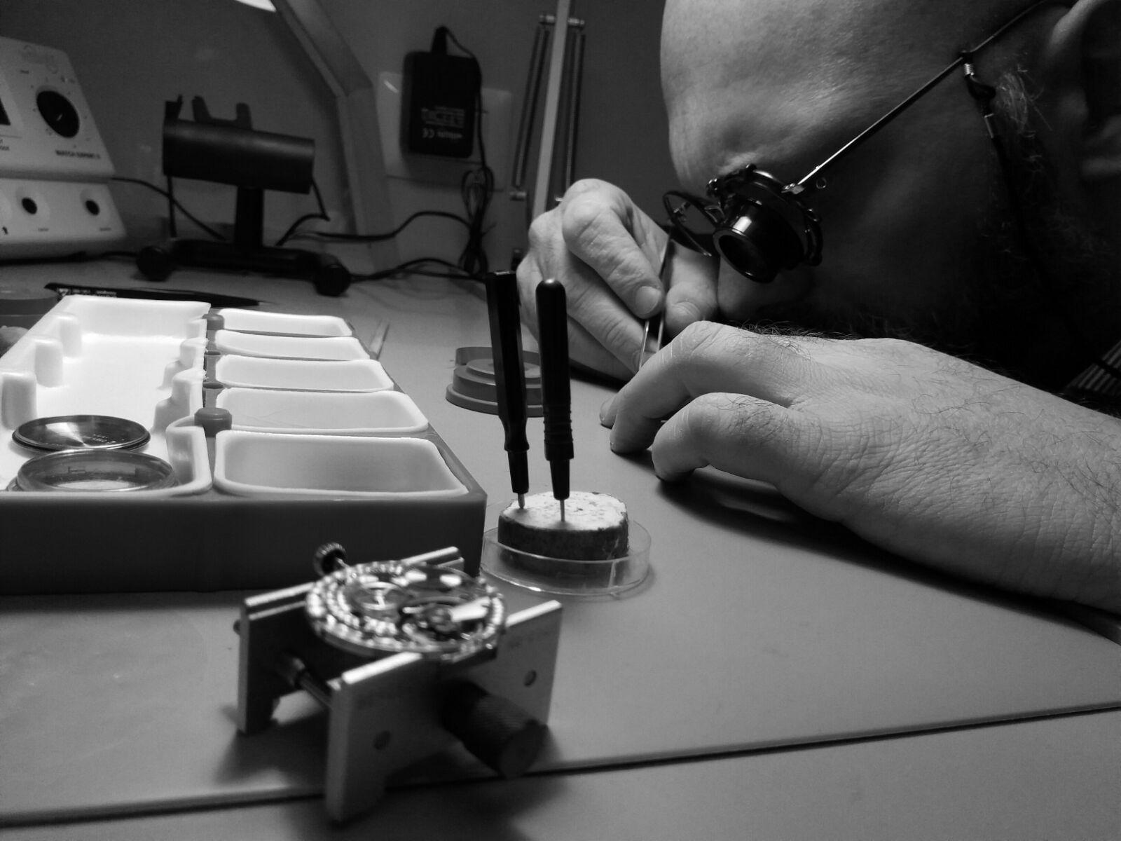riparazione orologio la bottega del tempo