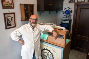 Massimiliano-La-Bottega-del-Tempo-Roma-laboratorio-orologi
