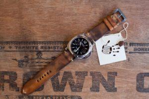 Cinturino-panerai-nabuk-tabacco-montato-orologio