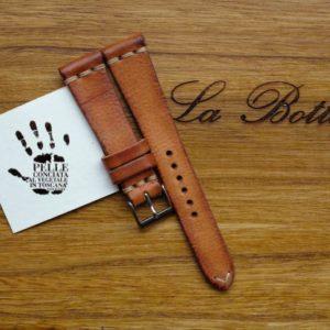 cinturino-artigianale-pelle-cognac-martellato